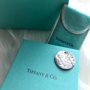 TIFFANY & CO. Notes silver necklace pendant